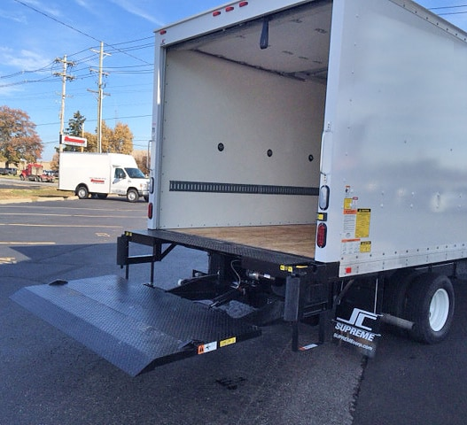16 Ft Box Truck With Lift Gate Rental, Louisville KY