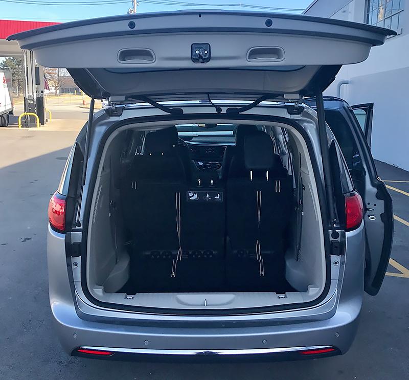 Minivan Rentals, Louisville KY - 8 Passenger Pacifica  Minivan